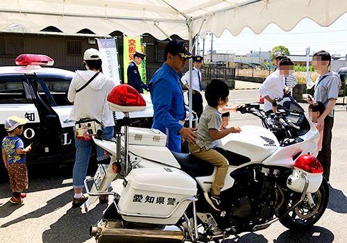 江南警察フェスティバルの様子