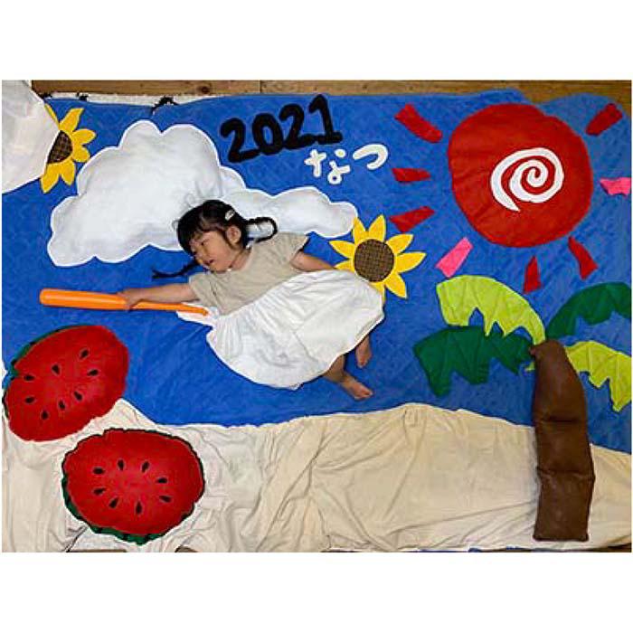 お子さまの成長記録をかわいく残そう♪「ごろ寝アート」